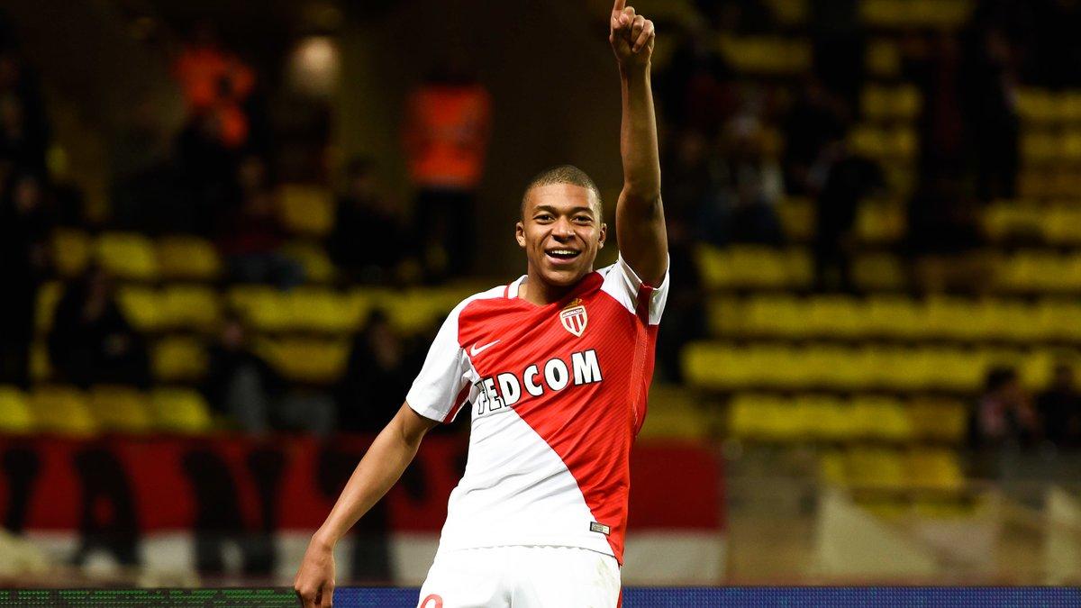 Ligue 1 : Monaco écrase Nantes et reprend la tête