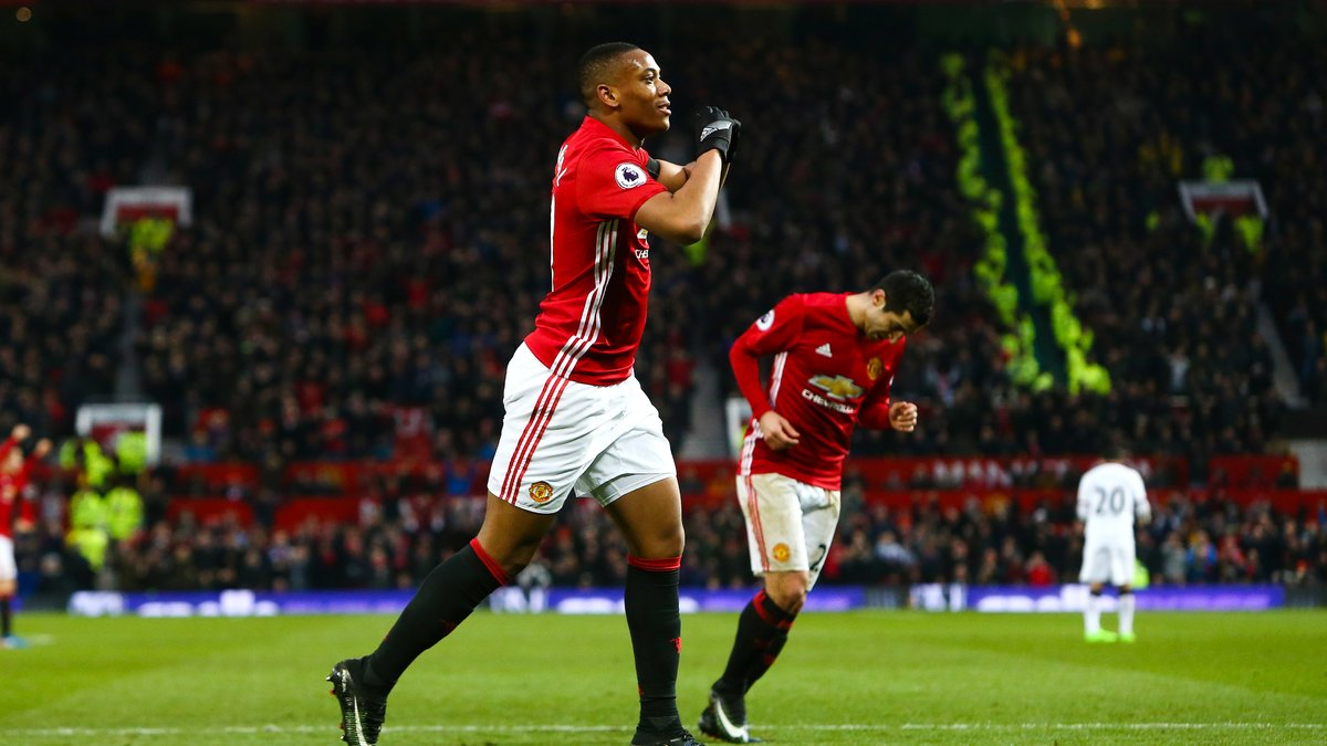 Mourinho tacle (encore) Martial — Manchester United
