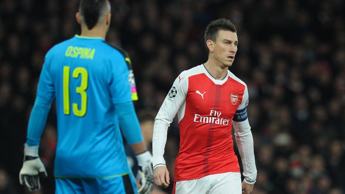 Nasri assure la défense de Wenger — Arsenal