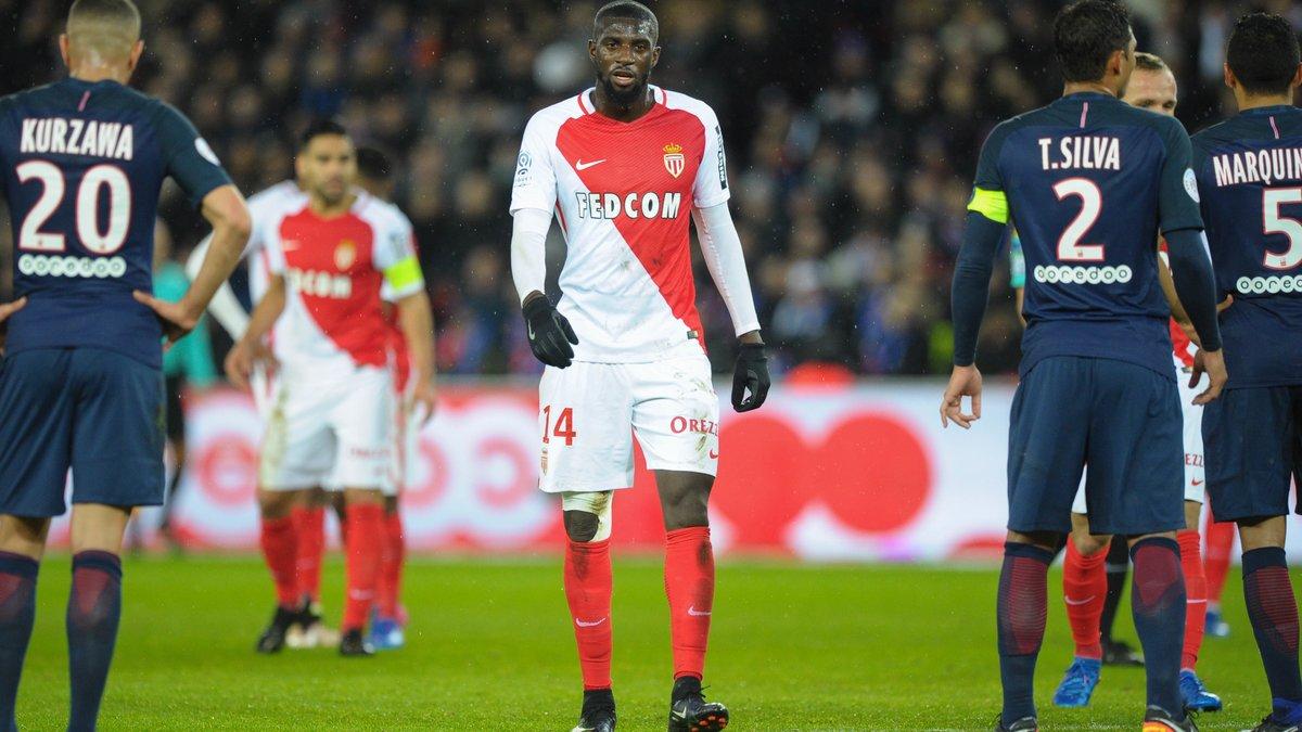PSG : Patrick Kluivert aurait tenté le coup pour Tiémoué Bakayoko