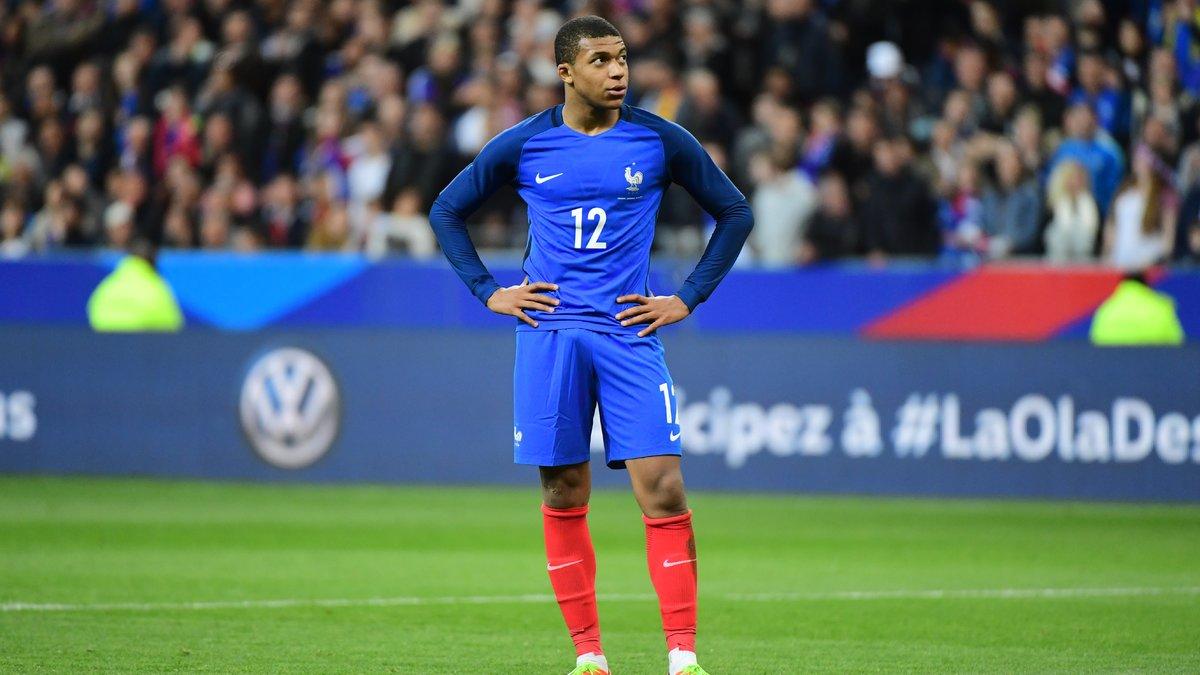 Les parisiens remportent la Coupe de la Ligue — Monaco vs PSG