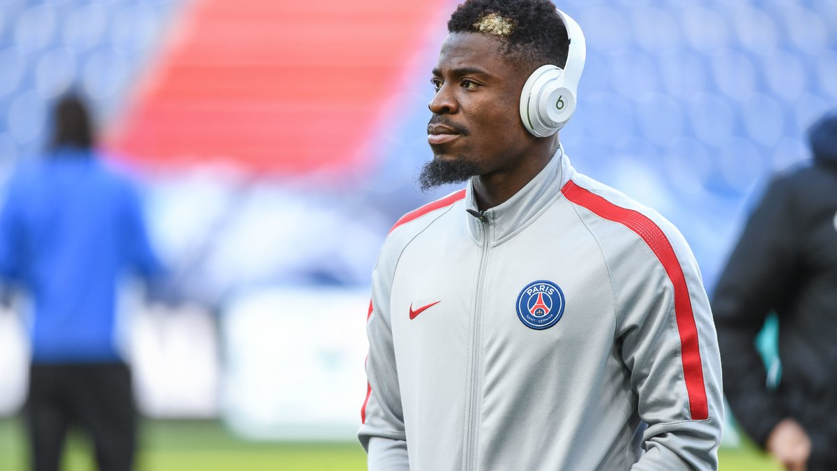 Foot - L1 - PSG - PSG : Serge Aurier s'imagine à Manchester United