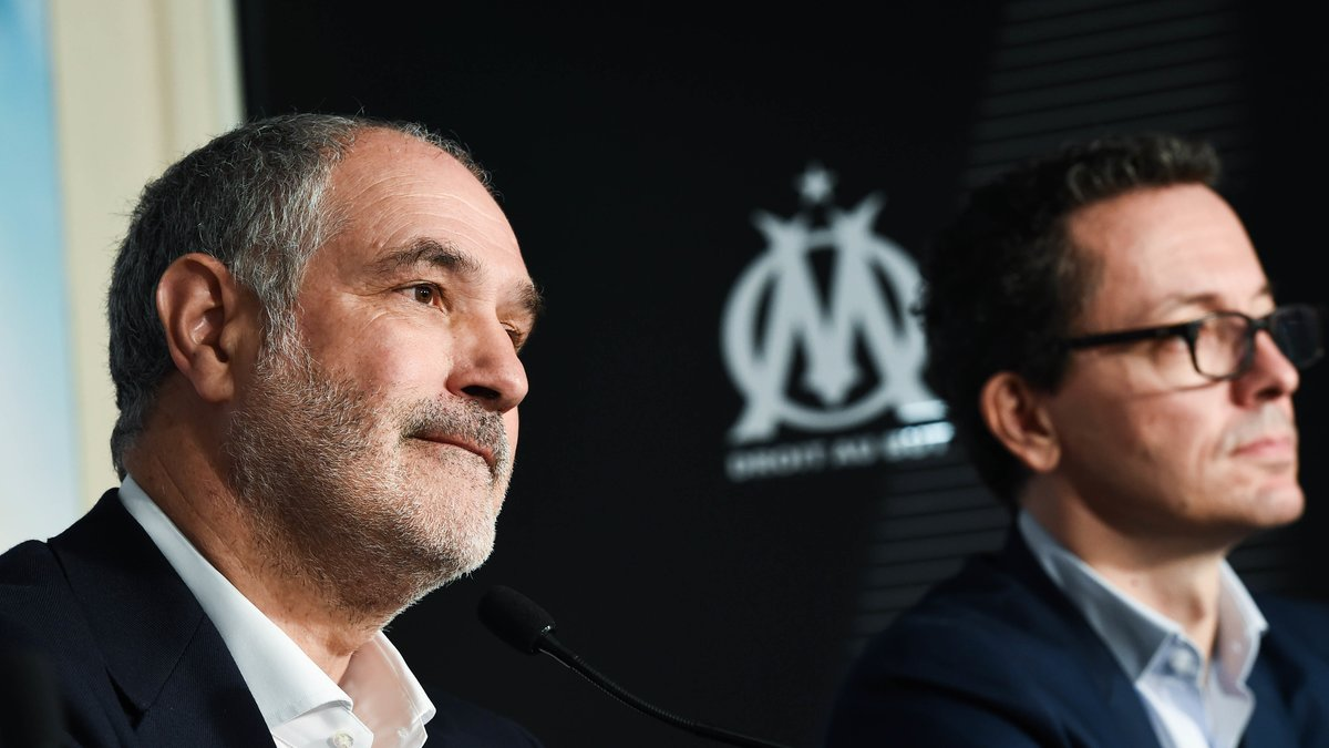 Le PSG officialise l'arrivée de Kehrer — Mercato