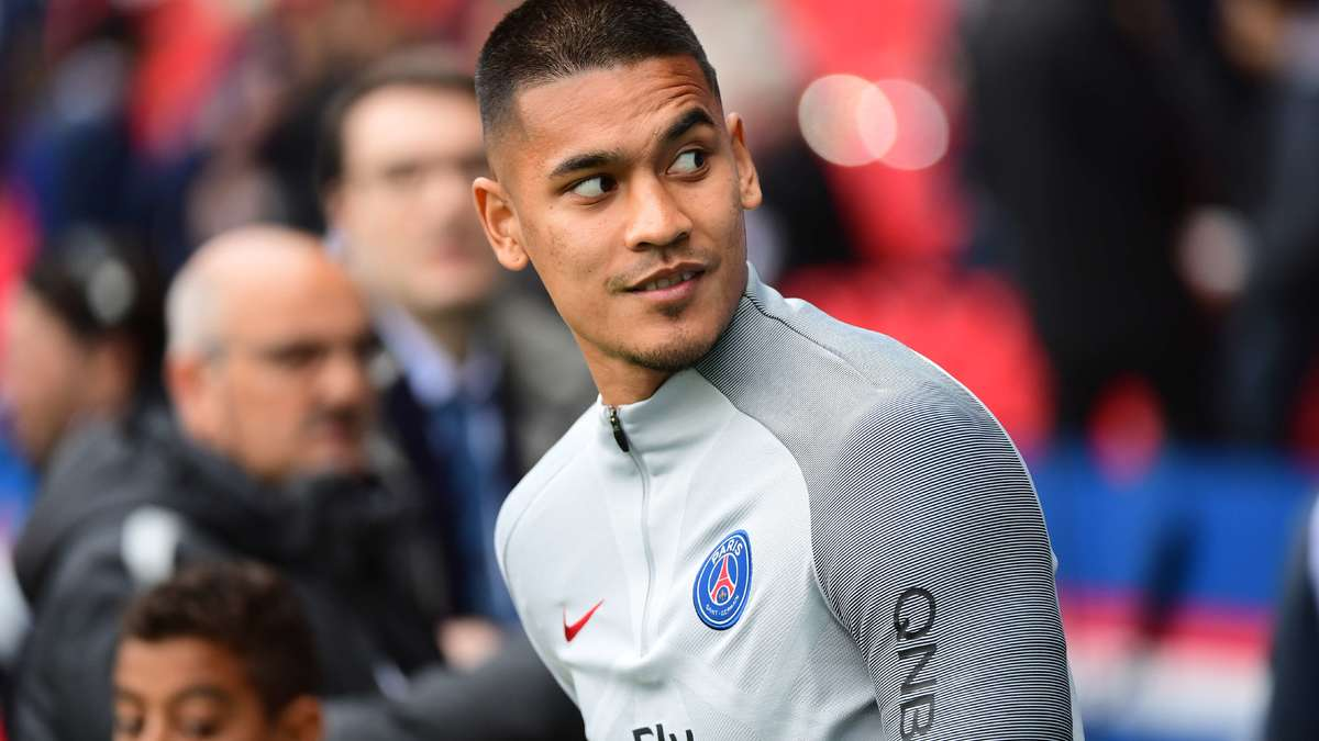 Deschamps presse Areola de faire