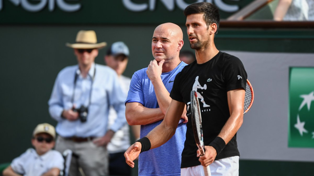 Paris - Roland-Garros: Agassi dit conseiller Djokovic gracieusement