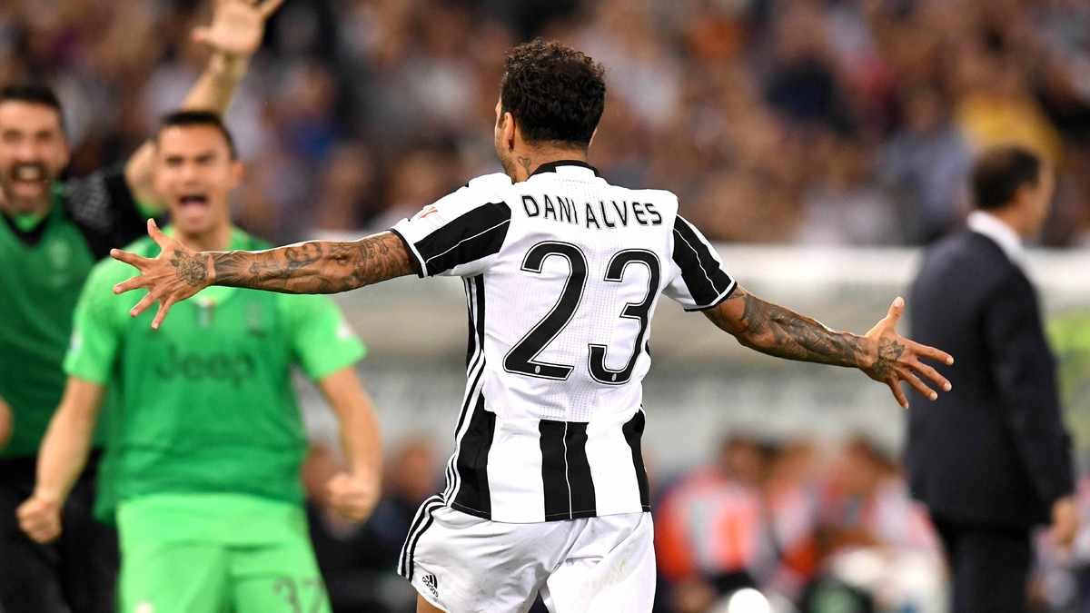 Dani Alves officialise son départ de la Juventus
