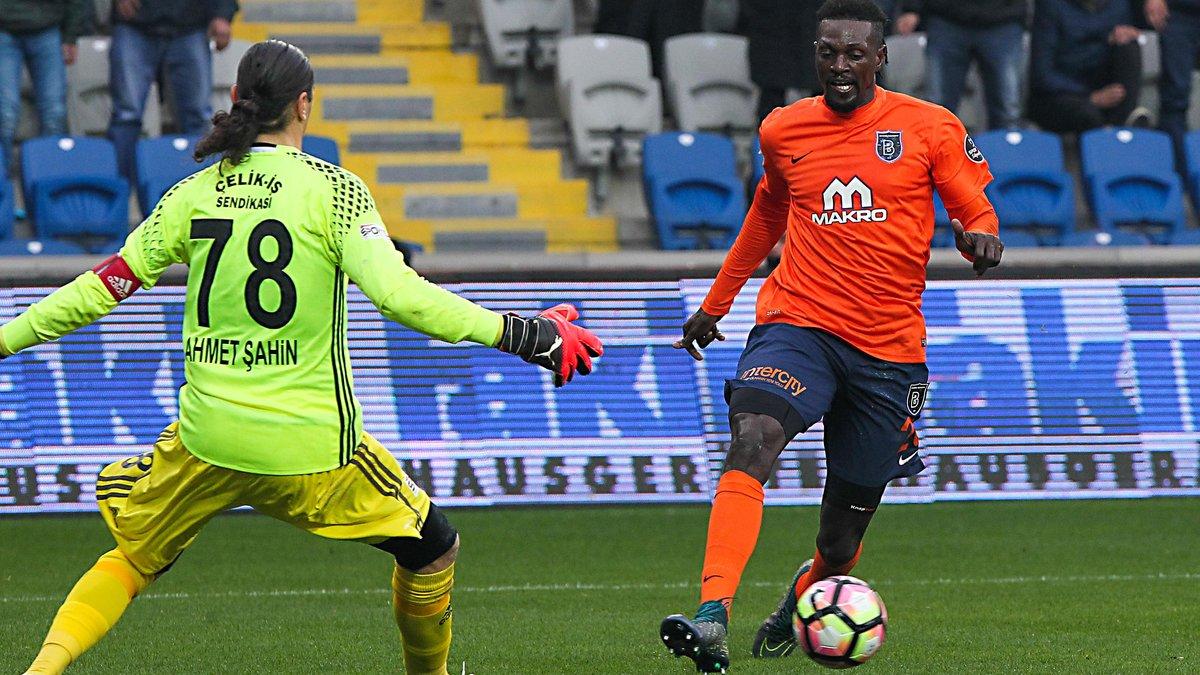 Le Togolais annoncé à Marseille — Emmanuel Adébayor