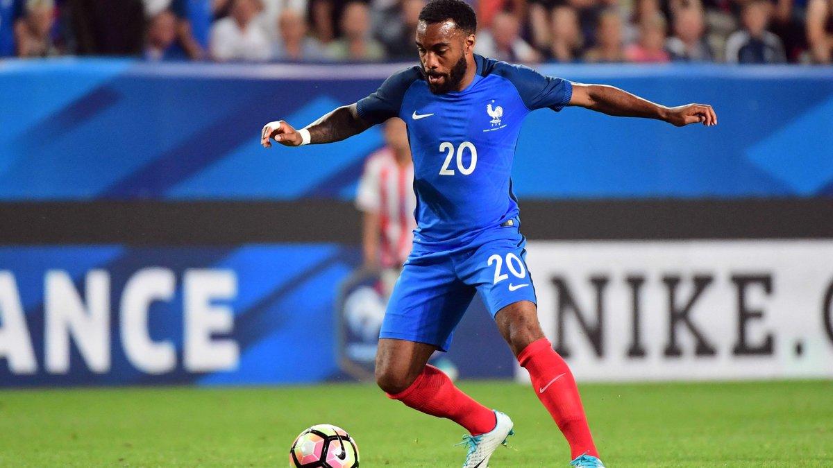 Offensive d'Arsenal pour Lacazette — Lyon