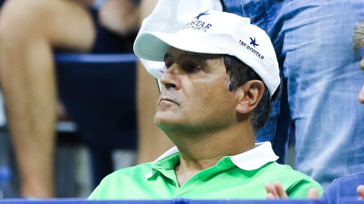 Toni Nadal critique l'entourage de Novak Djokovic