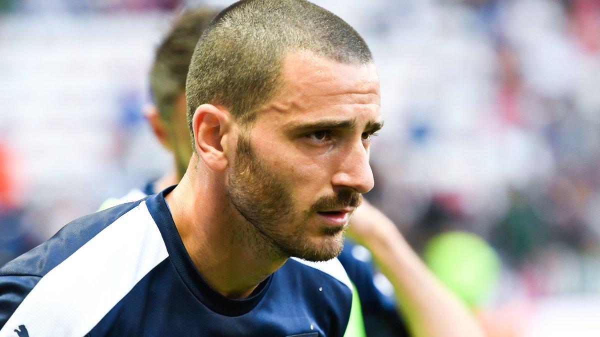 Chielini allume Bonucci — Juventus Turin