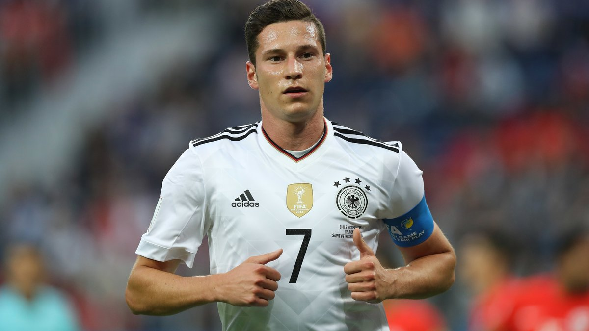 Low 'cannot see' Draxler completing Arsenal deadline day move