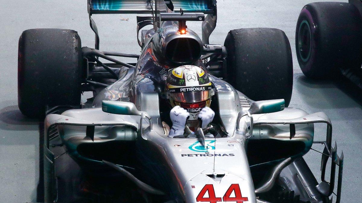 GP de Malaisie: Hamilton en pole, Vettel dernier