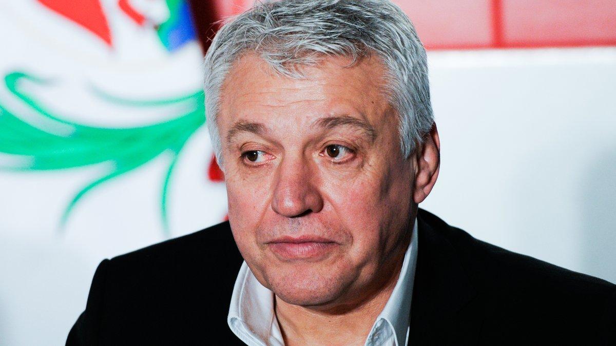 Bernard Laporte inaugure le nouveau stade de rugby à Saint-Fort