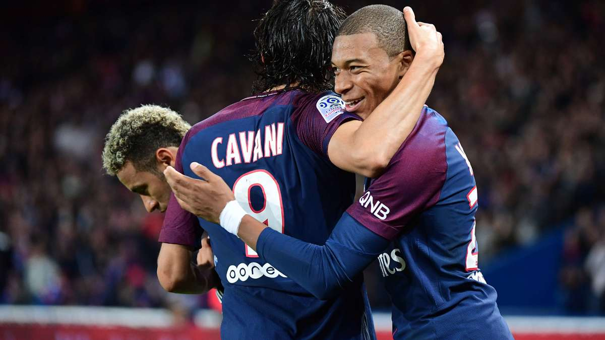 Zidane félicite Achraf Hakimi après sa première — Real
