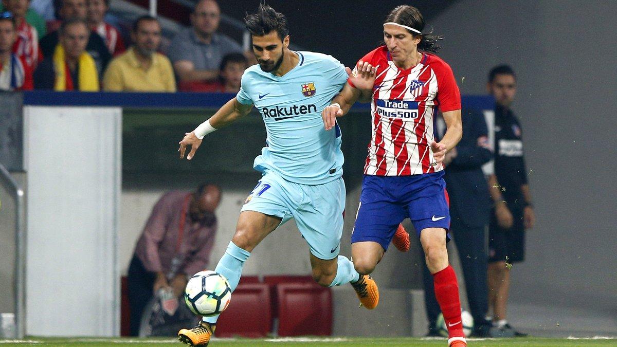 André Gomes ne se sent pas bien sur le terrain — Barça