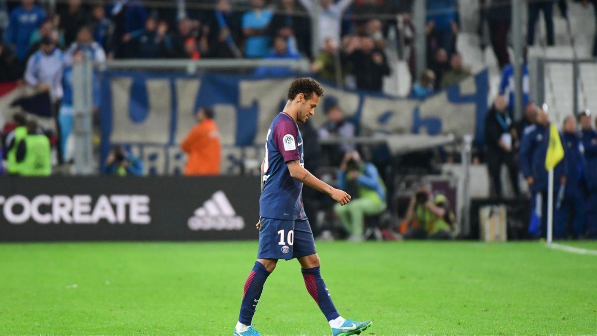 Un champion du monde secoue Neymar — PSG