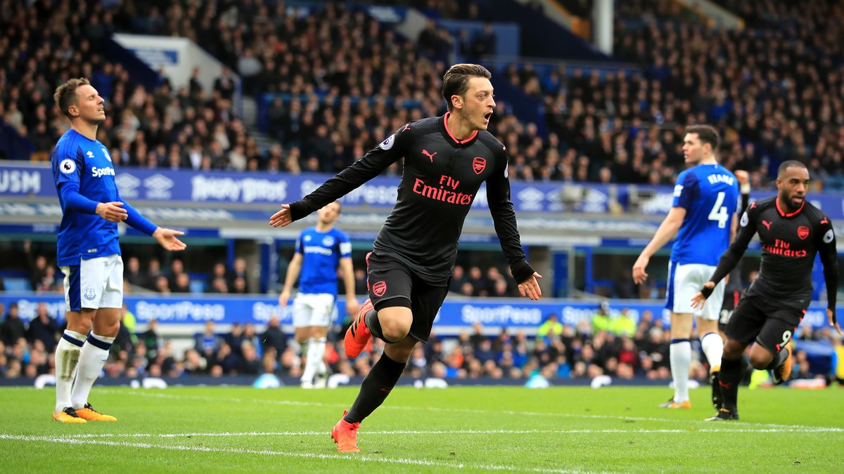 Arsenal prend position pour Sanchez et Özil — Mercato