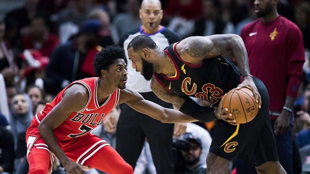 LeBron James mène les Cavaliers à la victoire et dépasse Larry Bird