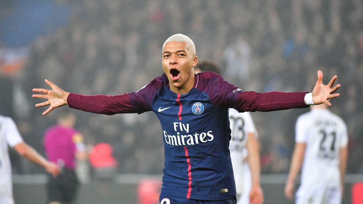 Pierre Ménès monstrueusement fan de Kylian Mbappé — PSG