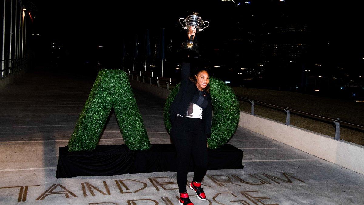 Serena Williams laisse tomber sa couronne — Open d'Australie