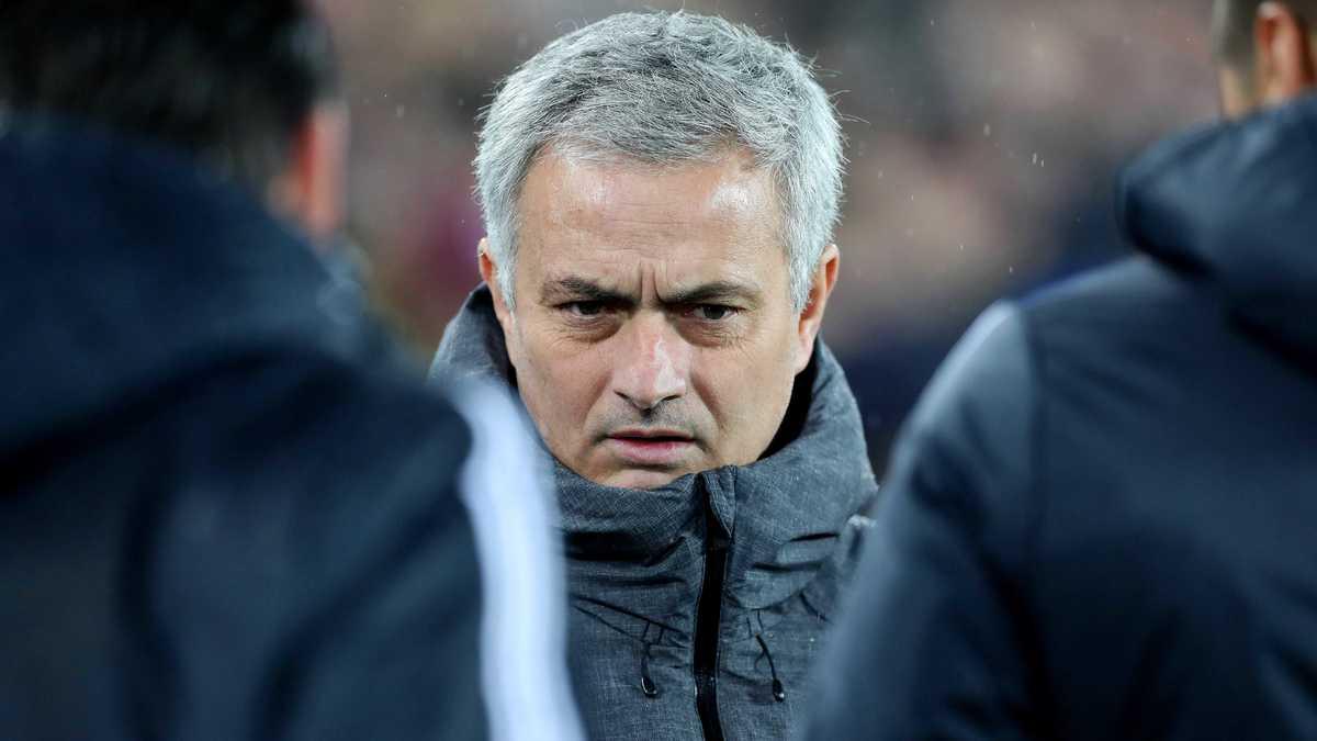 Conte allume très fort Mourinho — Chelsea