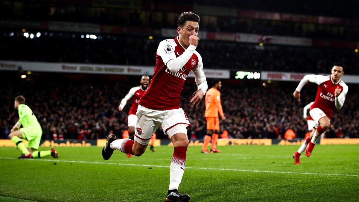 Mesut Özil proche de prolonger à Arsenal