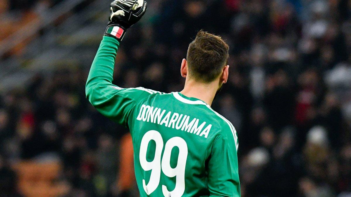 Le directeur sportif de Milan ouvre la porte pour Donnarumma
