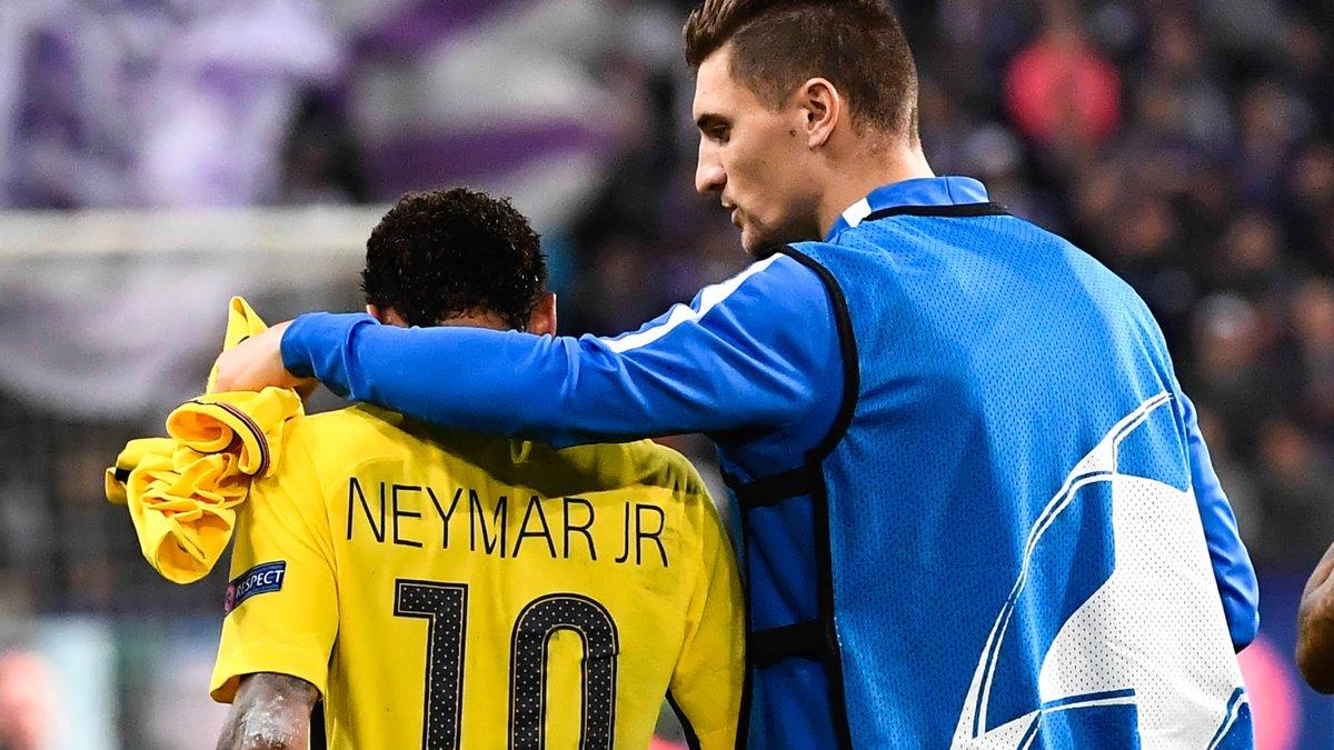 Neymar est à Paris — PSG