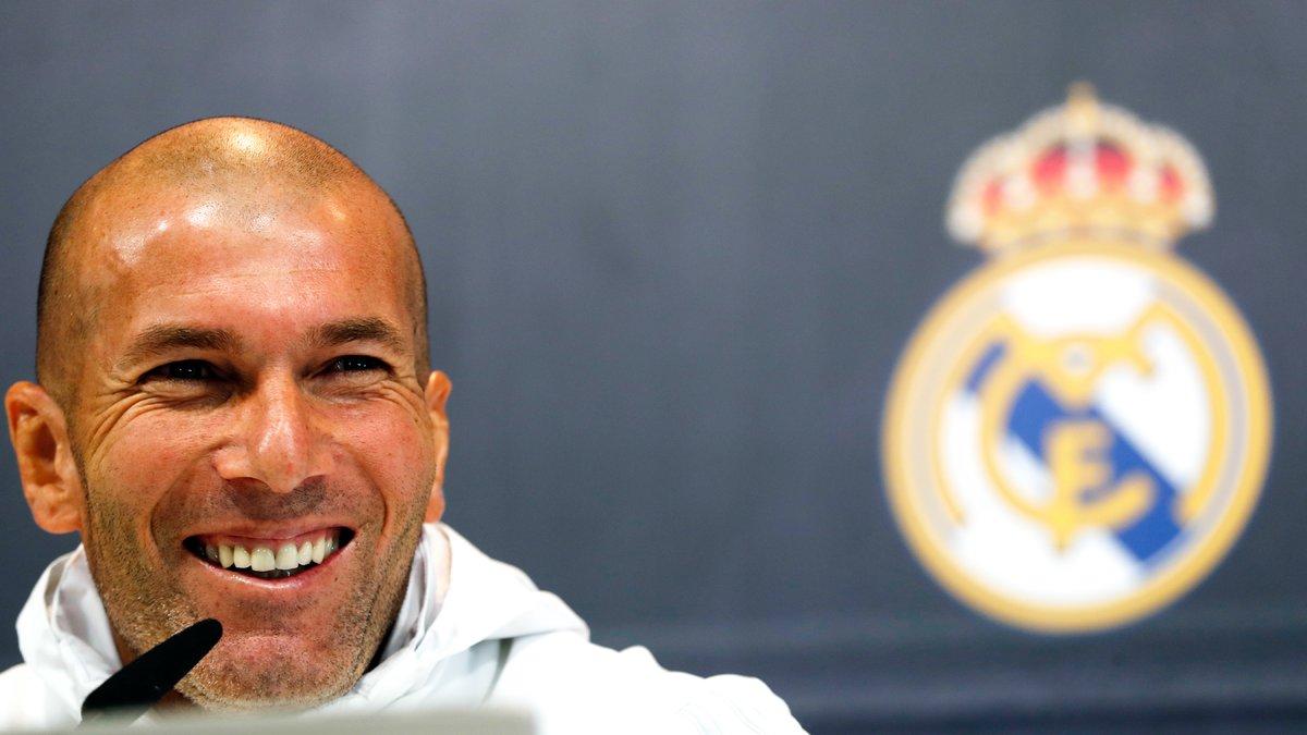 Makelele vole au secours de Zidane — Real Madrid