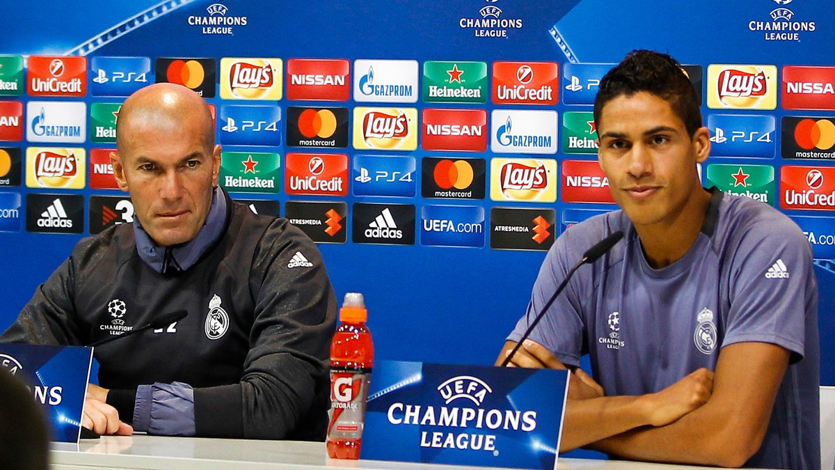 Real Madrid : Zidane félicite Varane pour ses 300 matches !