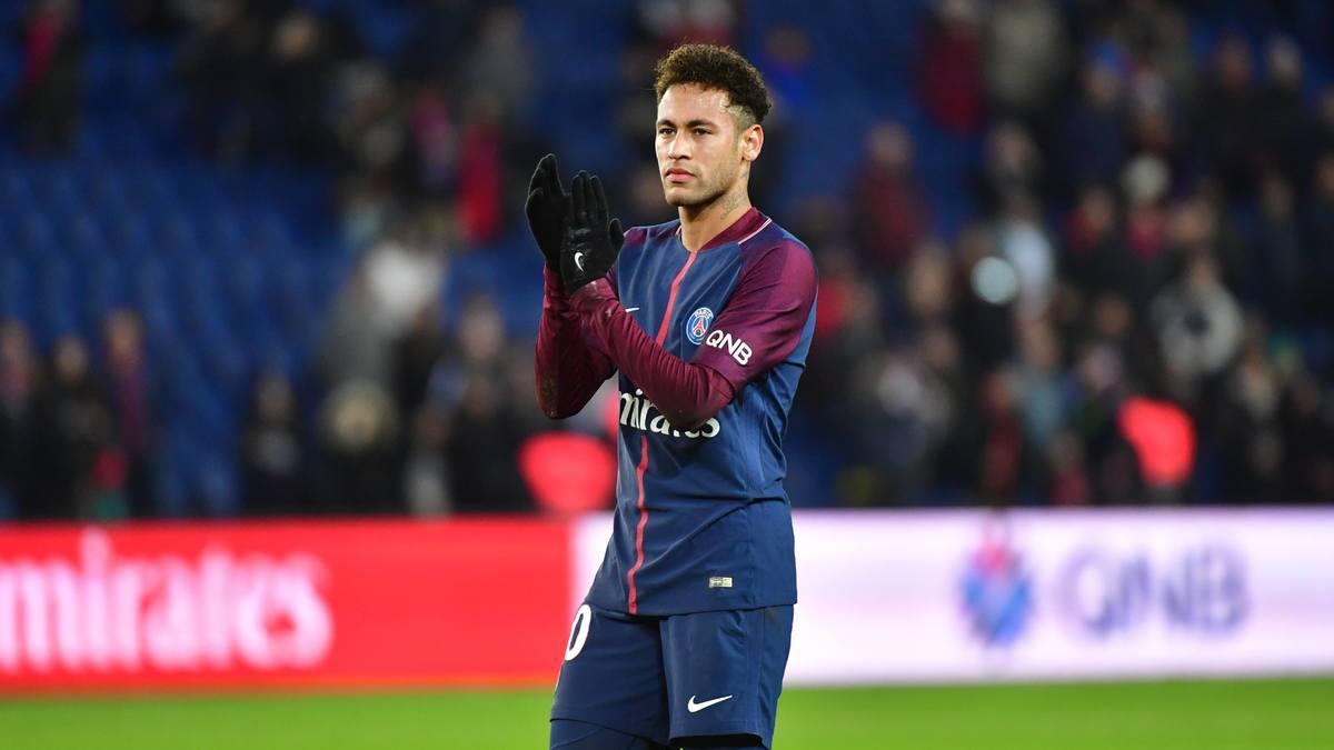 Real : irrité par le feuilleton Neymar, Ronaldo rappelle qu'il est le patron