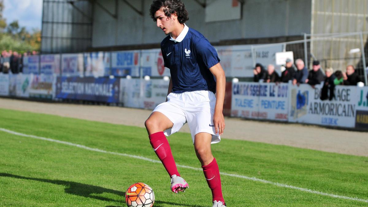Le jeune Adli pourrait rester au PSG — France