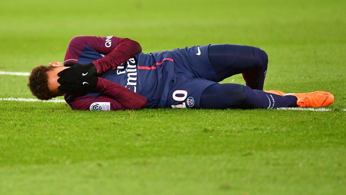 Fin de saison pour Neymar — Paris Saint-Germain