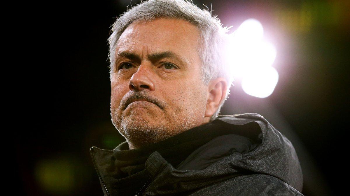 Manchester United : Eric Cantona dézingue José Mourinho