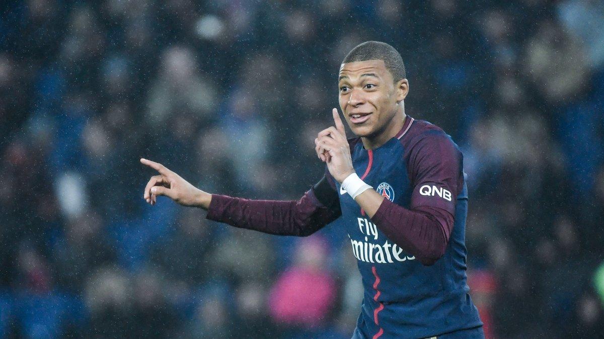 Pep Guardiola annonce que Yaya Touré ne restera pas à Manchester City