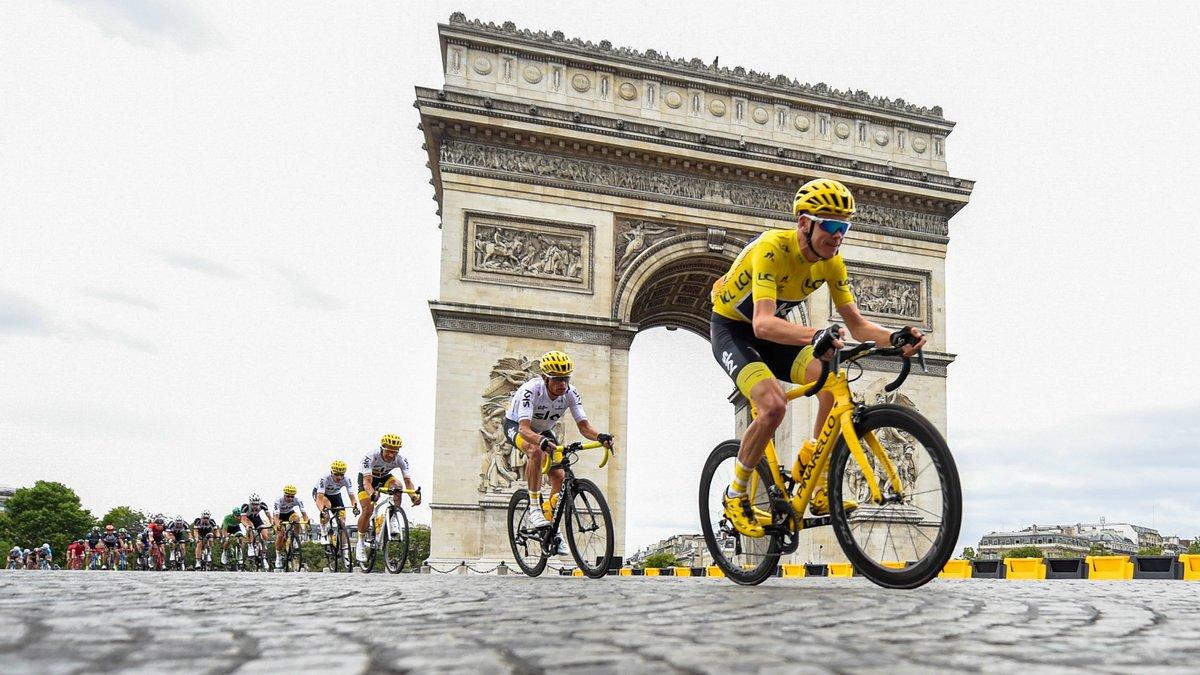 Chris Froome sifflé par le public — Tour de France