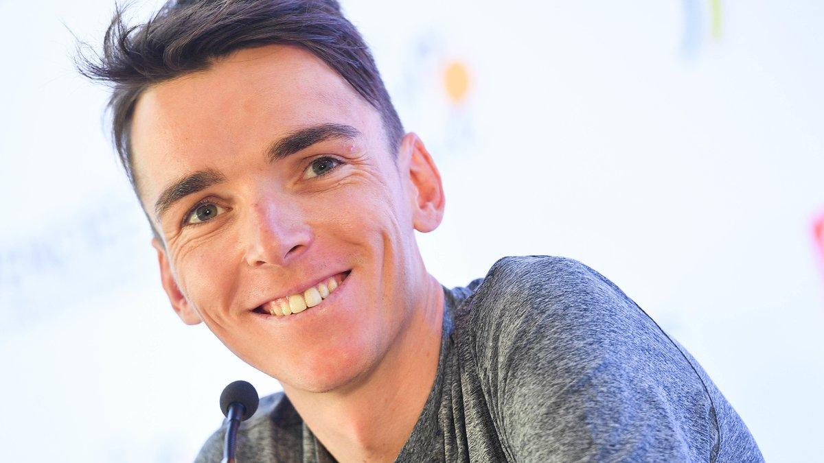 Tour de France: Chris Froome bousculé par un spectateur