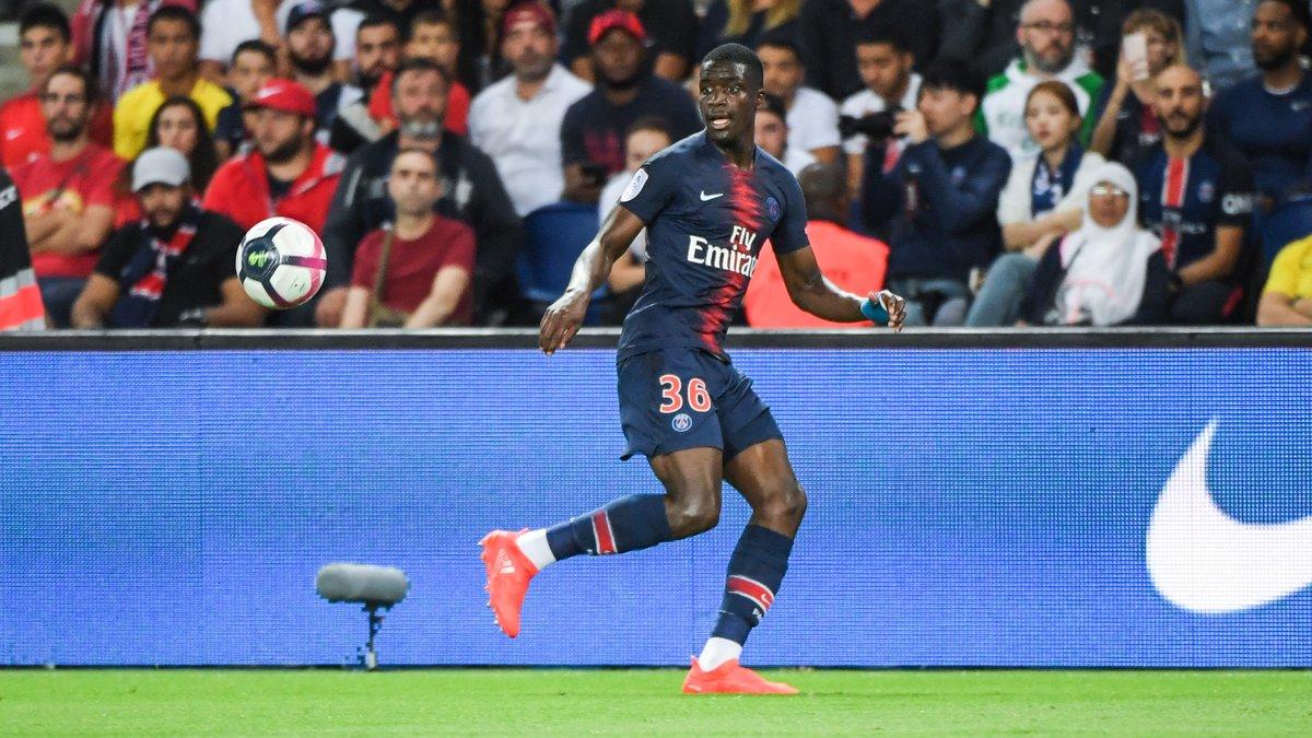 Stanley N'Soki signe son contrat pro au PSG — Officiel