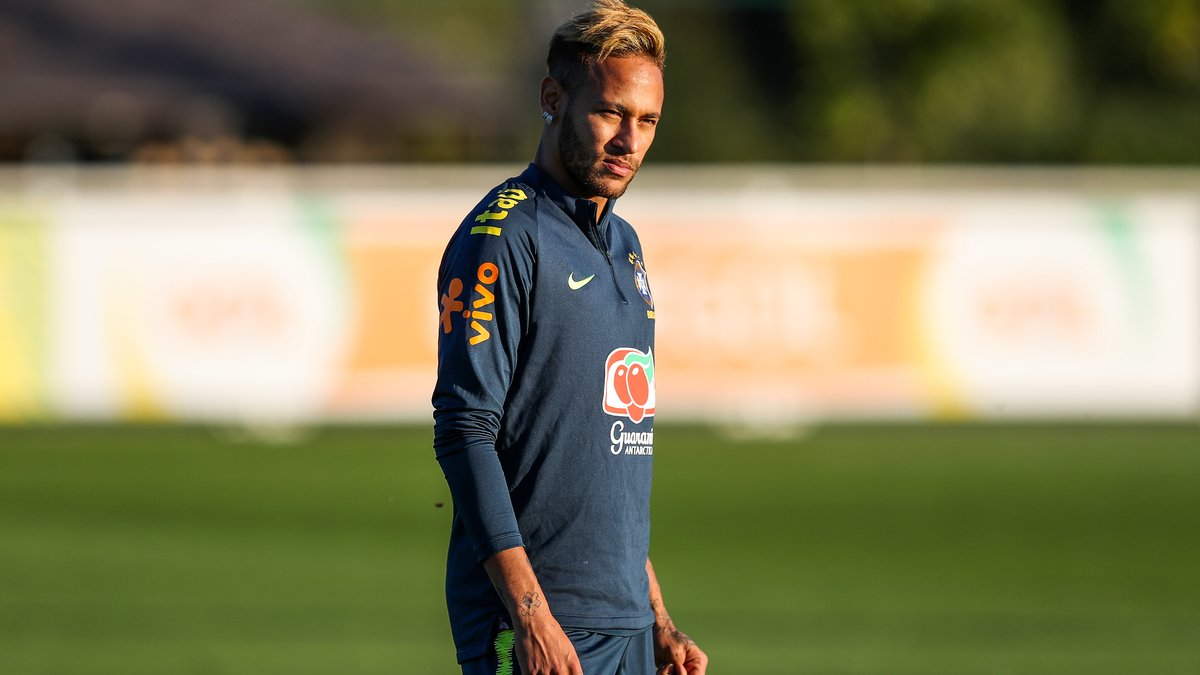 Pelé attend plus de Neymar — Brésil