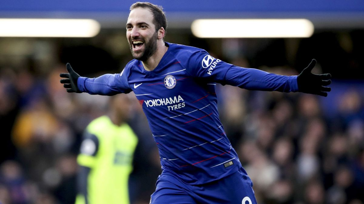 International : Chelsea : Sarri trouve Higuain trop juste physiquement