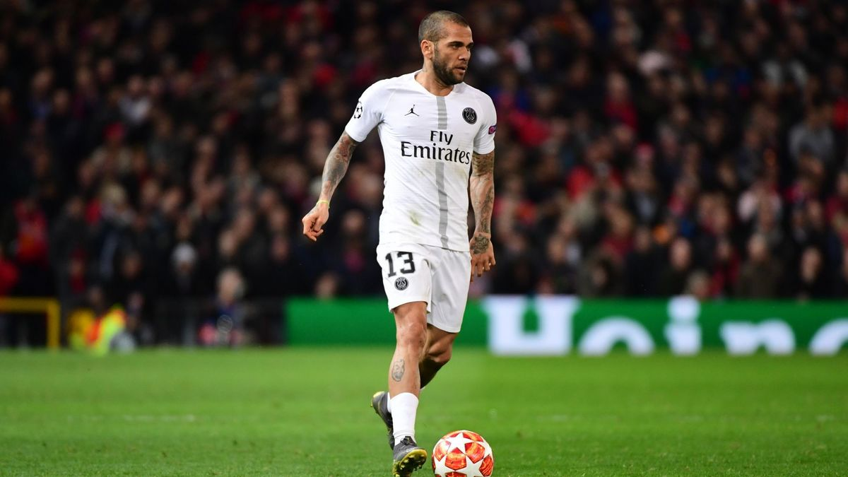 Dani Alvès veut prolonger au PSG pour jouer la Coupe du monde… 2022