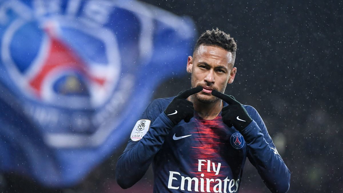 PSG : Neymar a dit au-revoir à ses béquilles