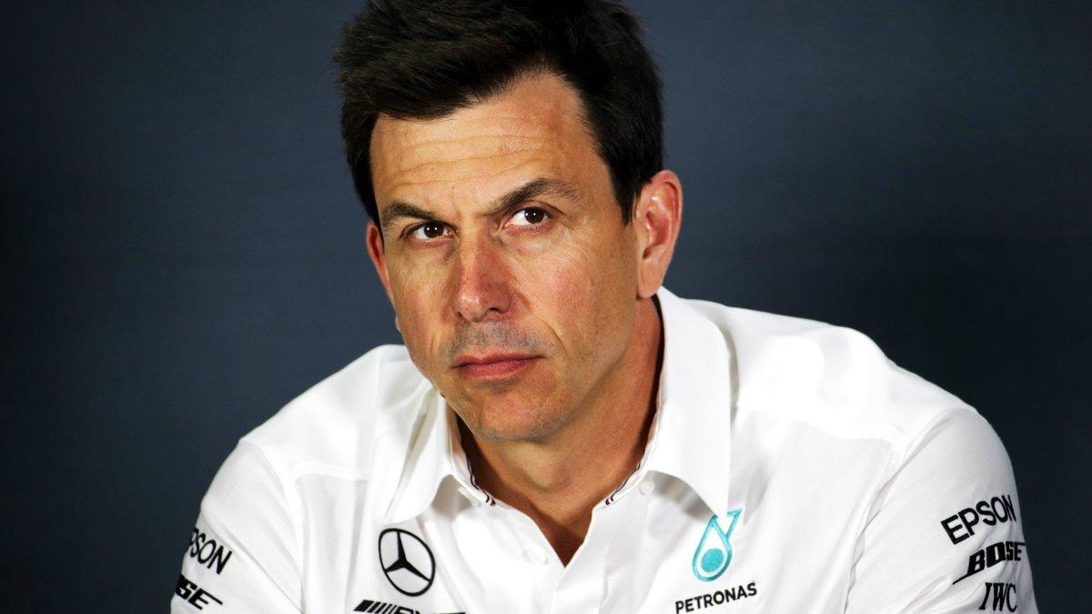 Formule 1 : Le patron de Lewis Hamilton se prononce sur une collaboration avec Ferrari !