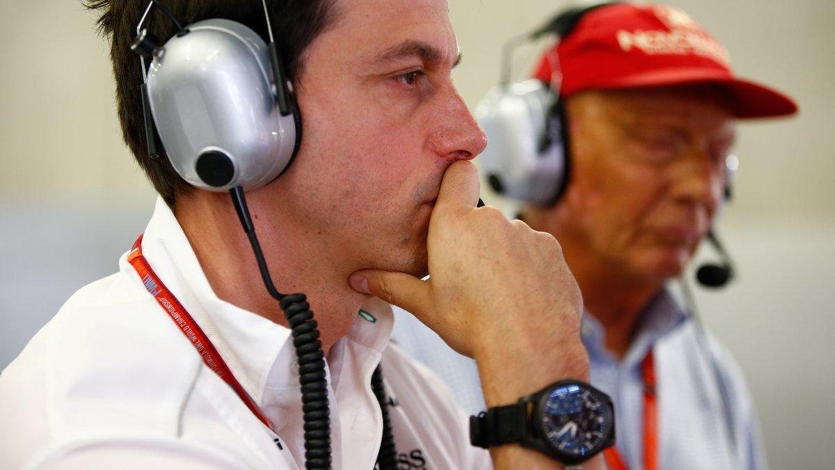 Formule 1 : Le bouleversant hommage de Toto Wolff à Niki Lauda…