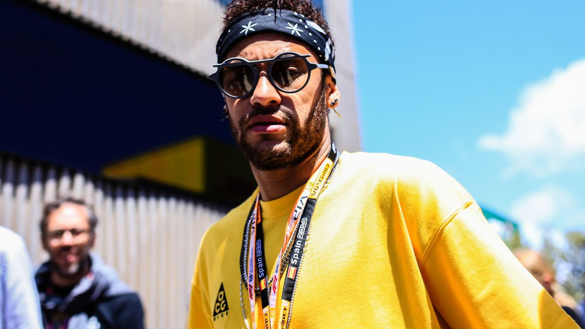 PSG : L'improbable arrivée de Neymar en… hélicoptère !