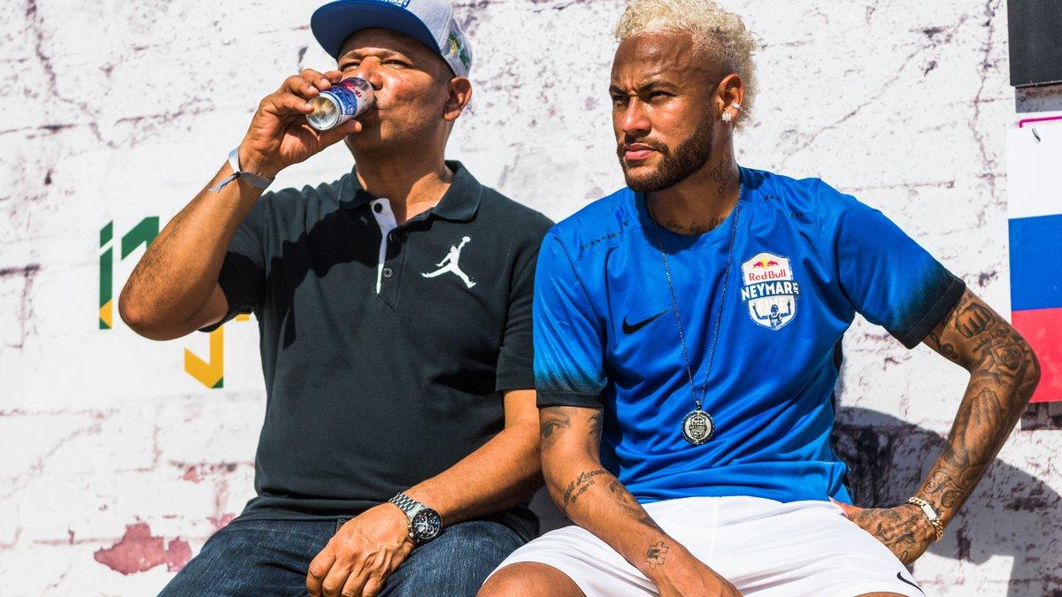 Mercato - PSG : Le clan Neymar à l'origine de son transfert avorté cet été ?