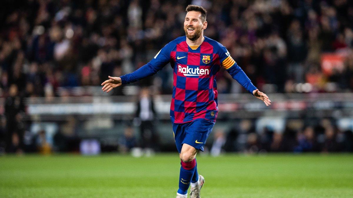 Barcelone : Pelé rend hommage à Lionel Messi…