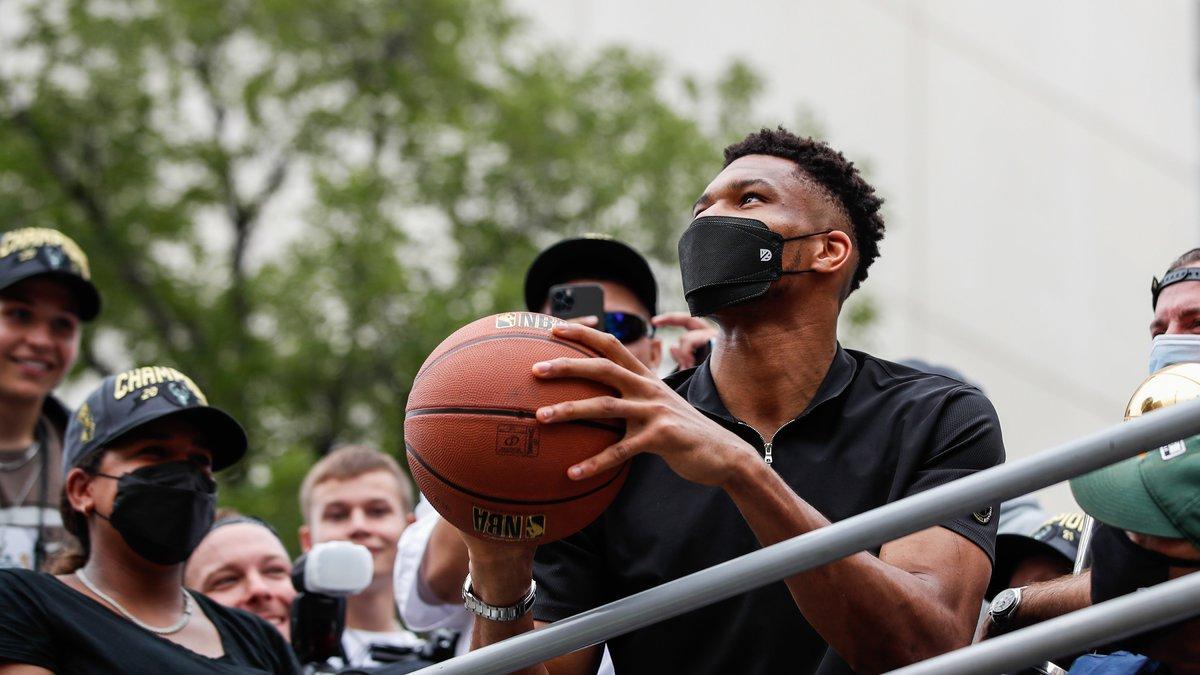 Basket - NBA : Harden, Durant... Giannis Antetokounmpo se livre sur son nouveau statut !